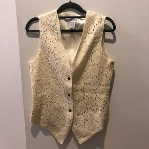 VINTAGE beautiful white lace fitted vest - Size S
